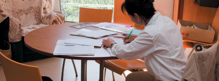 Améliorer les écrits professionnels - Évaluation et outils professionnels - Adèle de Glaubitz