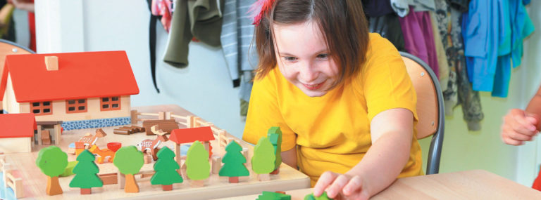 Initiation à la pédagogie Montessori dans le champ de l'action médico-sociale - Accompagnements et approches spécialisés - Adèle de Glaubitz